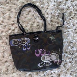 Coach medium size authentic hand bag!